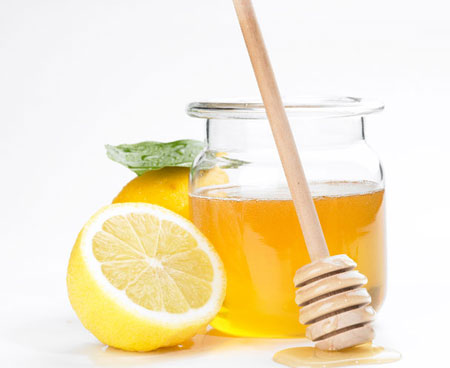 Mật ong với chanh giúp chống lại mọc mụn trứng cá, mụn thâm và các vết sẹo