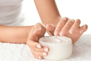 Tránh xá các sản phẩm kem dưỡng da không rõ nguồn gốc