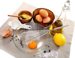Trứng gà, mật ong, dầu ô liu là cách làm đẹp da nhờn rất hữu hiệu