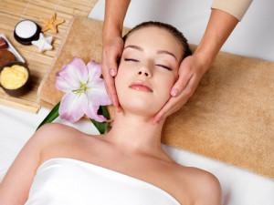 Massage da mặt là cách giữ da mặt đẹp tại nhà hiệu quả