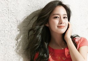 Kim Tae Hee: Yến mạch+ mật ong + lòng đỏ trứng gà