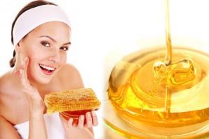 Rửa mặt bằng mật ong là cách chống nhăn da mặt mỗi ngày