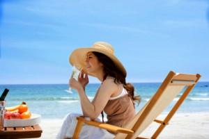 Kem chống nắng bảo vệ da khỏi tác hại của ánh nắng mặt trời