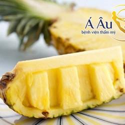 Dứa là loại trái cây giàu vitamin C và khoáng chất có lợi cho da mặt.