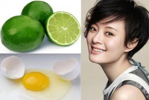 Trộn đều lòng trắng trứng + nước cốt chanh để thoa đều lên mặt