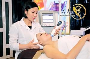 Liệu pháp căng da từ Ulthera giúp chị em căng da mặt an toàn.