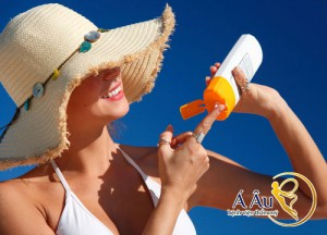 Sử dụng kem chống nắng có chỉ số SPF cao>50 là một sai lầm
