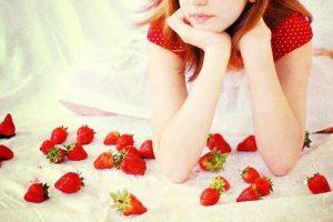 Để giữ gìn làn da trắng sáng, căng mịn ở độ tuổi 30, các nàng nên làm bạn thường xuyên với vitamin C.