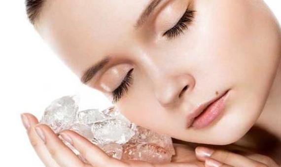 Căng da mặt tại nhà tự nhiên và hiệu quả